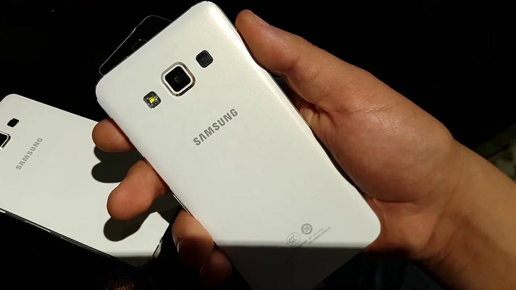 Galaxy A7 Türkiye'de Kaç Para Olacak?